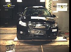 Chevrolet Cruze: крепкий малый