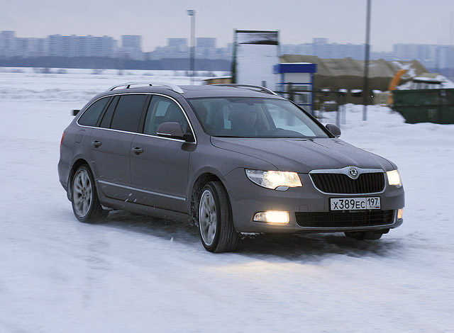 Škoda Superb Combi: чешское танго втроем