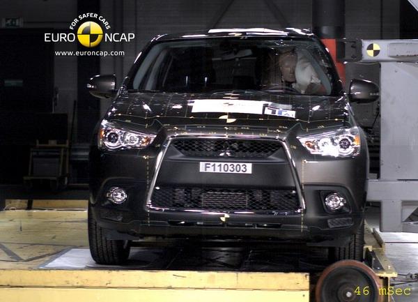 Mitsubishi ASX защитит всю сеьмю