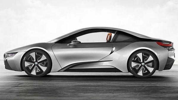 Вот как будет выглядеть серийный BMW i8