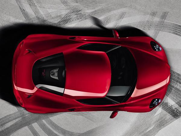 Alfa Romeo 4C дебютирует в Женеве