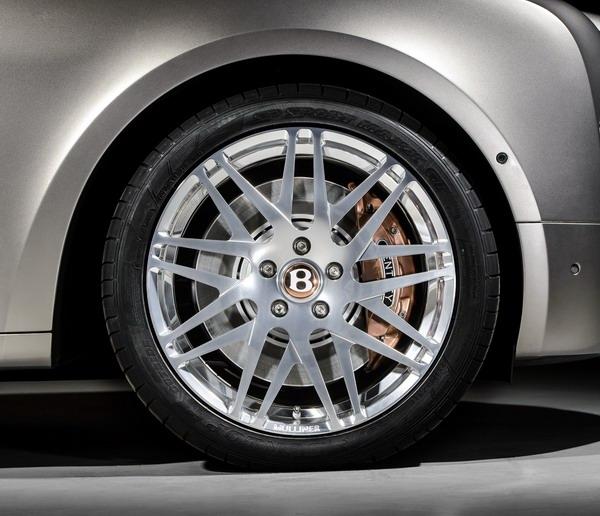 Гибридный Bentley: медь и крутящий момент