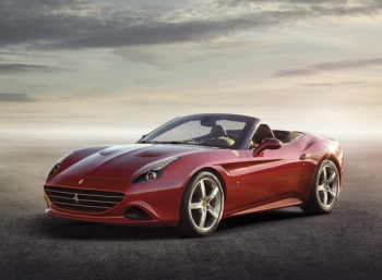 Новая Ferrari California предстала перед публикой