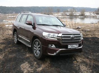 Toyota Land Cruiser 200: рамный внедорожник в джунглях современного маркетинга