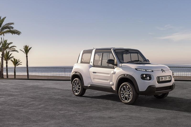 Ситроен обновил необыкновенный электромобиль E-Mehari